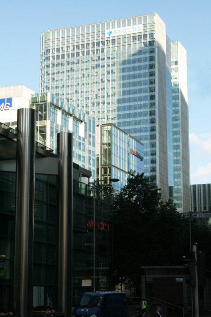 Consolidation of an extensive pan-London Estate onto 6 floors of 1 Churchill Place in Canary Wharf plus a 'High Net Worth' client suite in part of another floor.